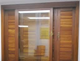 Esquadrias de madeira sob medida