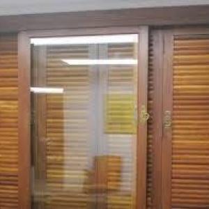 Esquadria de madeira sob medida preço
